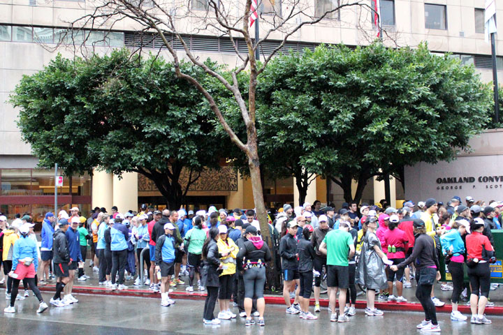 About 300 people gathered in front of the Oakland Marriot City Center on Sunday morning. It was the final official training run for the Oakland Running Festival's marathon and half-marathon races.