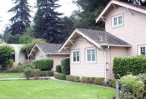 Pre-fire homes still exist in certain parts of the area, and are often smaller in size and more simply designed.
